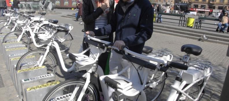 Las ciclas eléctricas y las bicicletas convencionales: ¿pueden compartir la vía?